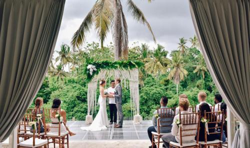 Villa Santai Floating Pool Wedding